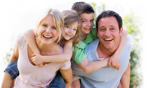 familia-contenta-delgadotrauma