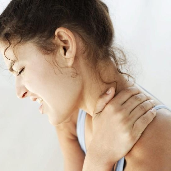 contractura cervical DELGADOTRAUMA